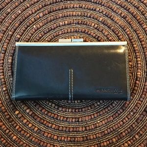 Kenneth Cole kisslock clutch wallet